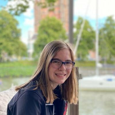 Elsa zoekt een Huurwoning / Kamer / Appartement in Almere